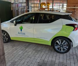 Autobelettering Nissan Micra, Oud Ade